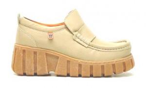 6fe9a98f4bc ... nieuwste collectie surfte ik naar de Magsite. En ja, daar stonden de  Megamoks, nu in vernieuwde uitvoeringen van de ooit zo iconische schoen.